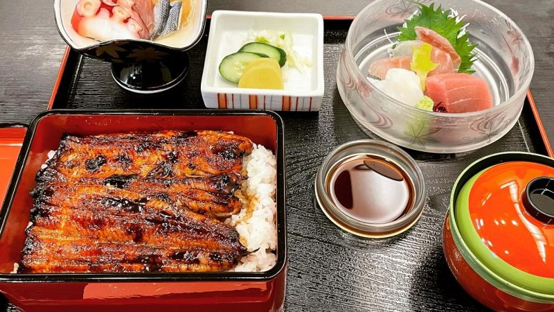 静岡県に今月2回目です♪ 福祉車両を納車行ってました。全国納車無料!!またうな重食べました(^^♪
