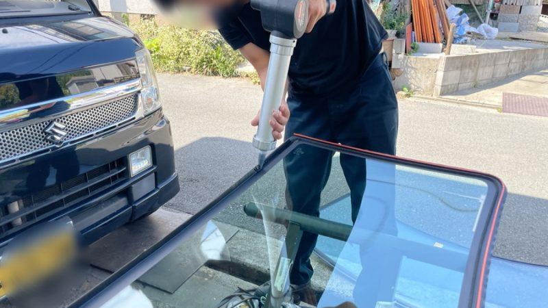 スズキ エブリイのフロントガラスひび割れ、フロントガラスを交換致しました。
