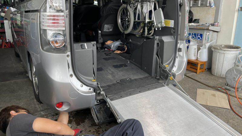 福祉車両 ヴォクシー スローパー ニールダウン油圧ポンプ点検 スロープを出す時異音がしてスロープが止まる・車高が下がらない。
