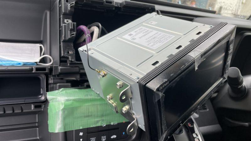 ホンダ N-VAN 持込み作業のご依頼です(^^♪ テレビキャンセラー取付け、走行中でも同乗者のかたはテレビを視聴できます♪